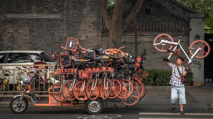 Pekín limita el número de bicicletas de alquiler en la ciudad por saturación