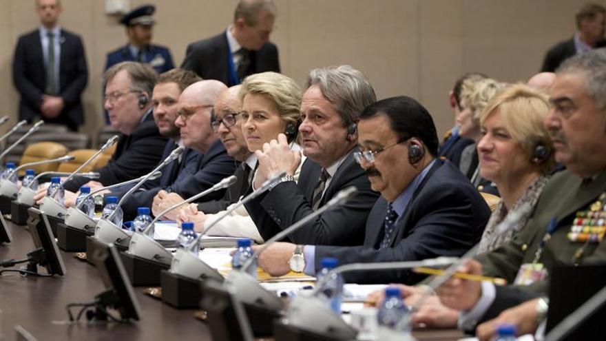La coalición internacional contra el EI aborda cómo acelerar su combate