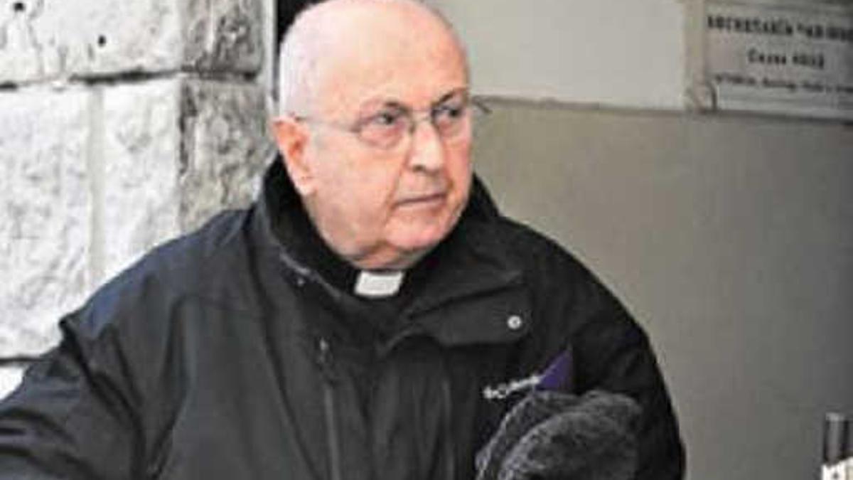 Una de las últimas fotos del ex vicario Graselli en 2014, días después dio testimonio contra el sacerdote  Chicha Mariani.