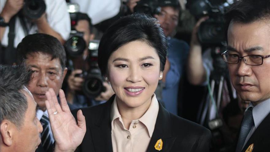 La ex primera ministra tailandesa comparece en un tribunal por negligencia