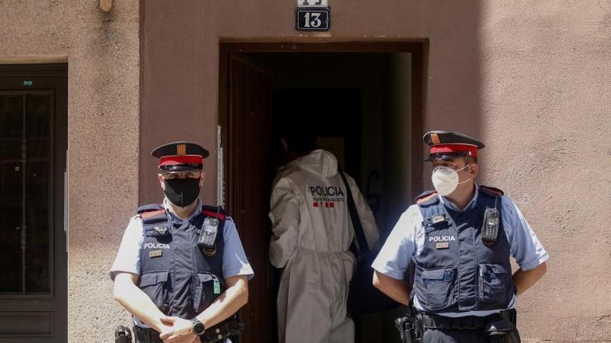 El detenido por el asesinato de una mujer en Esplugues sigue en comisaría