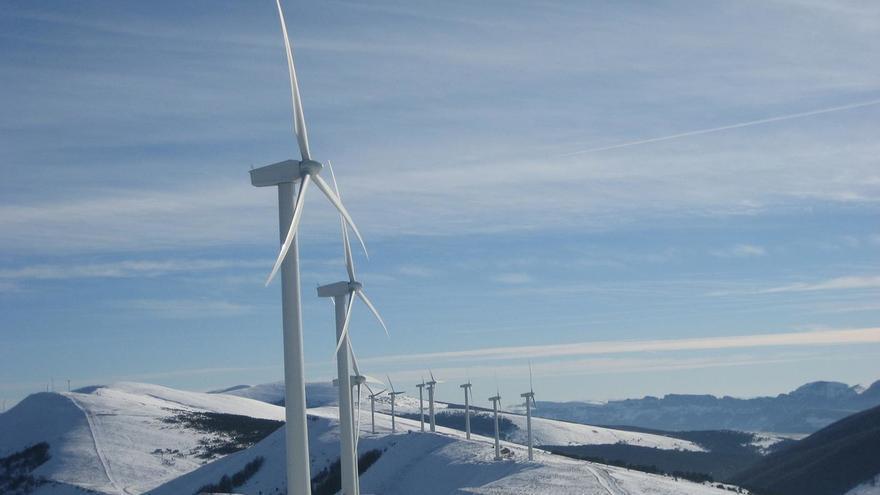 Avanza la tramitación de tres parques eólicos para los Valles Pasiegos