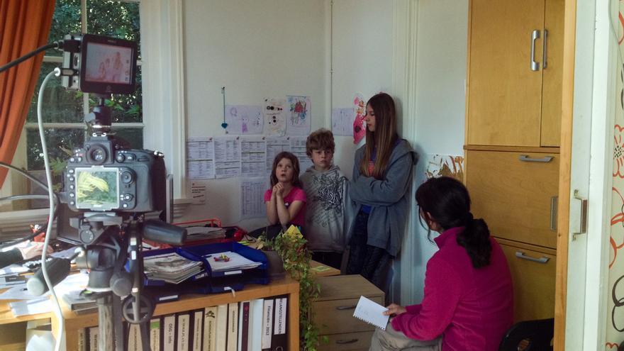En la escuela De Vallei, charlando con algunos de los alumnos. \ Esto no es una escuela