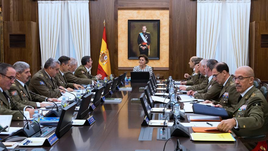 La ministra Cospedal preside una reunión del Consejo Superior del Ejército.