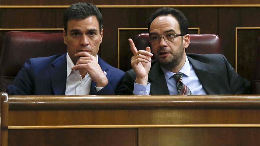 """El PSOE ve """"poco serio"""" que Podemos saque un programa cada tres semanas"""