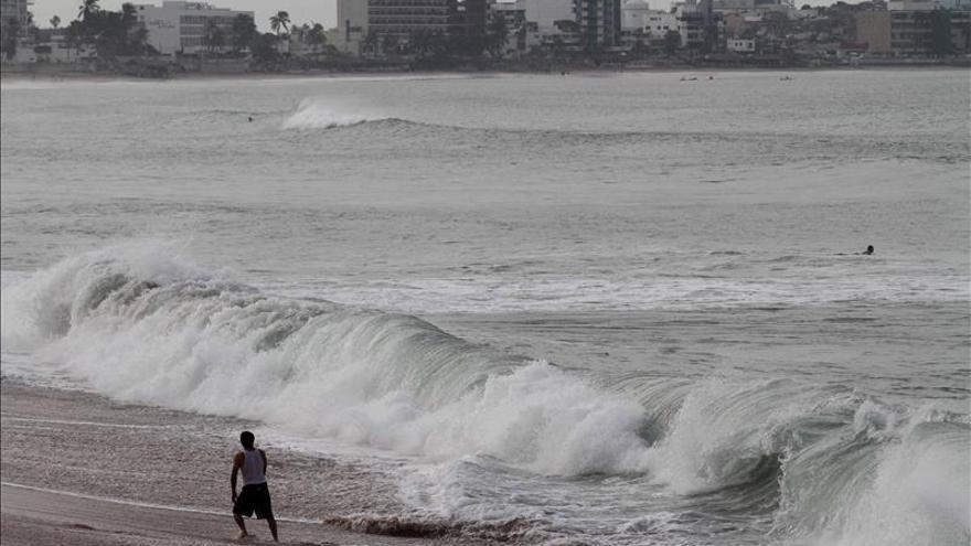 La tormenta Andrés se acerca a categoría de huracán en aguas del Pacífico