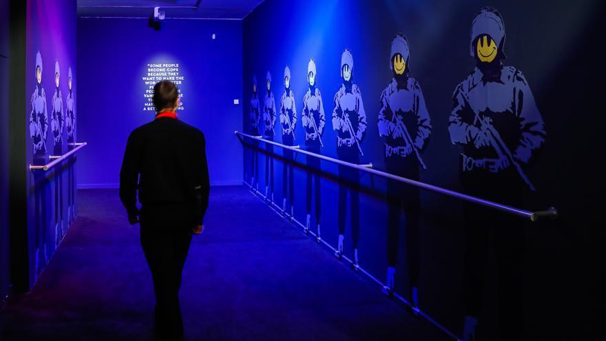 Un Banksy consumido por el mercado del arte llega al Círculo de Bellas Artes