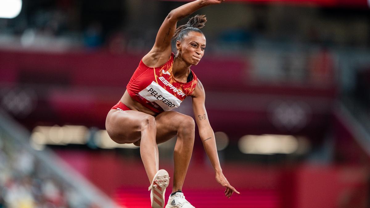 Ana Peleteiro, bronce en la final de triple salto de atletismo, en Tokio, Japón