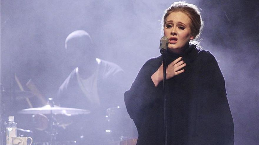 Adele cumple 25 años a la espera de un tercer álbum