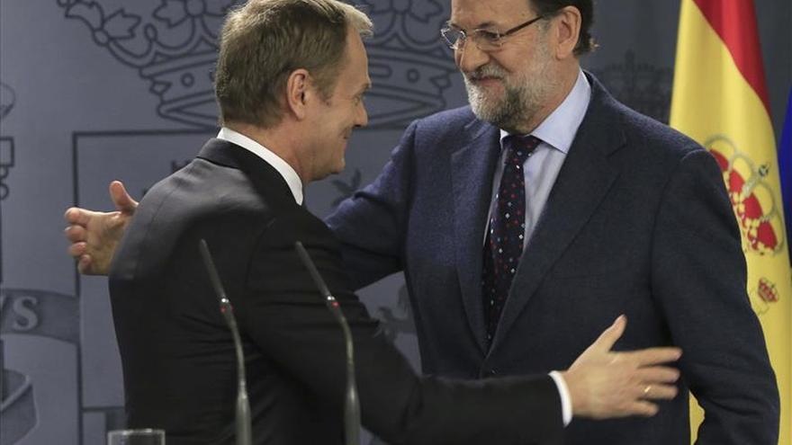 Rajoy deja total libertad a Moreno para que decida sobre la investidura de Díaz