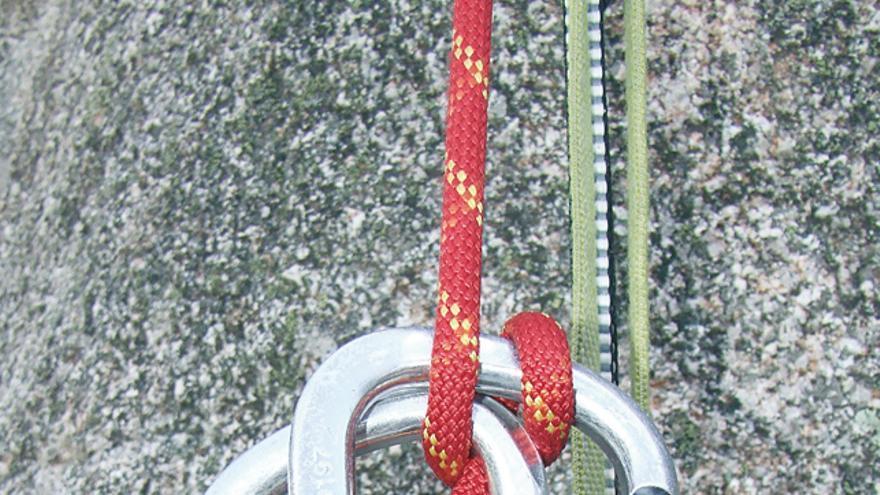 Maniobra de autorrescate. Ascender por una cuerda fija.