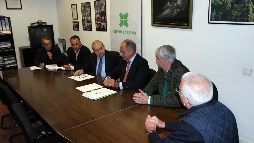 En la imagen, reunión de la patronal palmera.