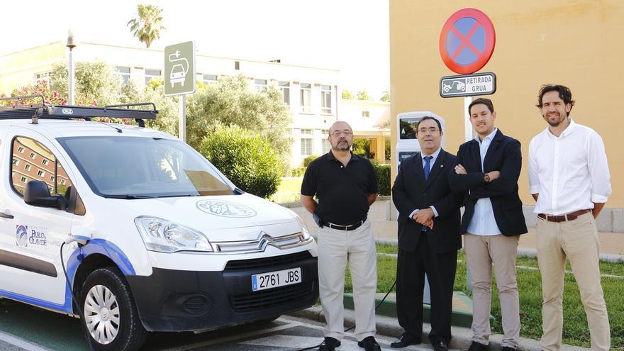 La UPO instala en su campus el primer punto de recarga para coches eléctricos