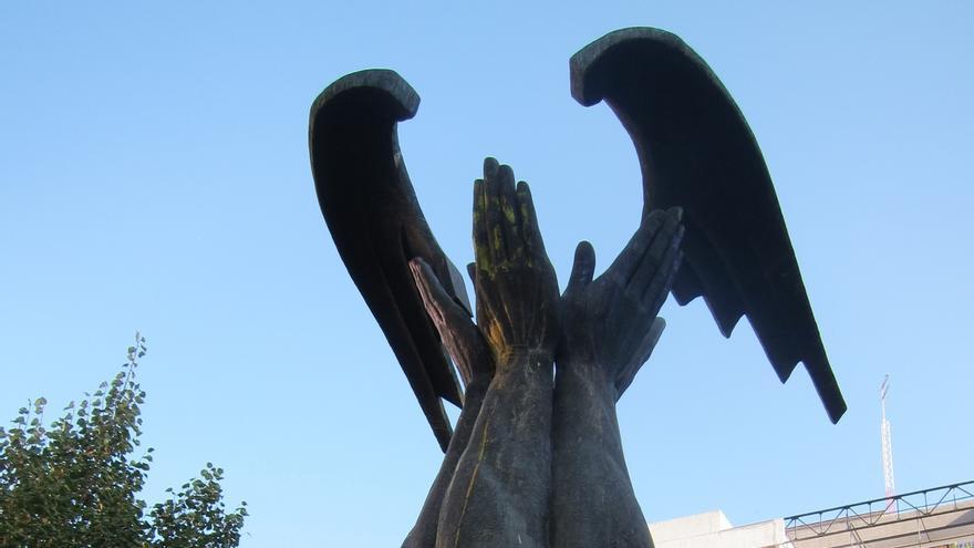 El TSJA, hace más de tres meses, obligó al Ayuntamiento a retirar la figura de la céntrica plaza.