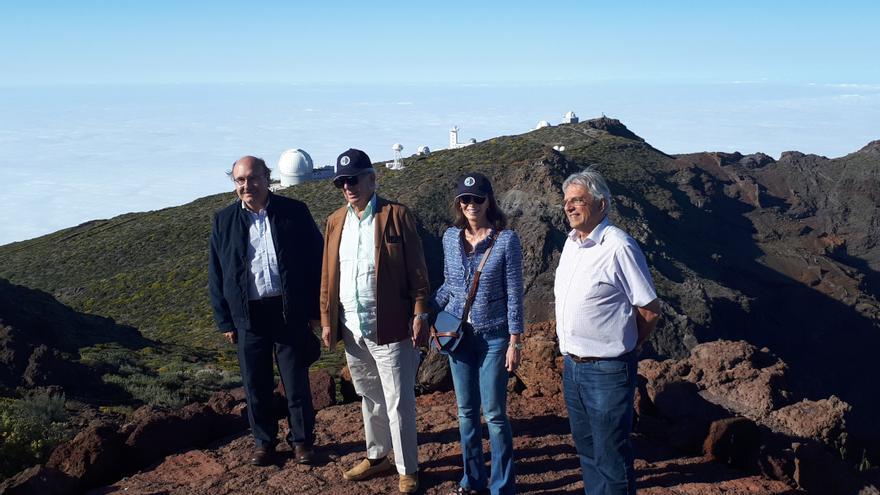Visita de Vargas Llosa e Isabel Preysler al Roque de Los Muchachos.