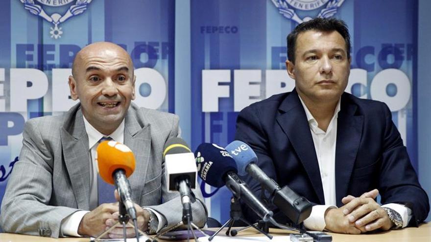 El secretario de la Junta Directiva de Fepeco, Isidro Martín, y el presidente de la Asociación Inmobiliaria del sur de Tenerife, Rubén Darío Rodríguez, en rueda de prensa