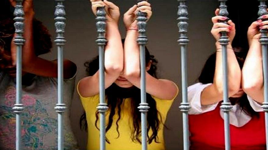 prostitutas en torrente prostitutas en merida badajoz