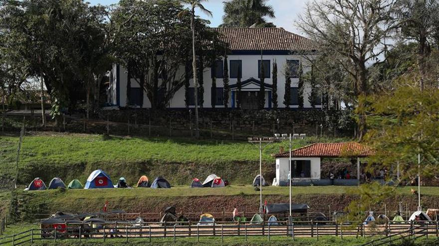 Sin Tierra ocupan una hacienda del  magnate Eike Batista y otros recintos en Brasil