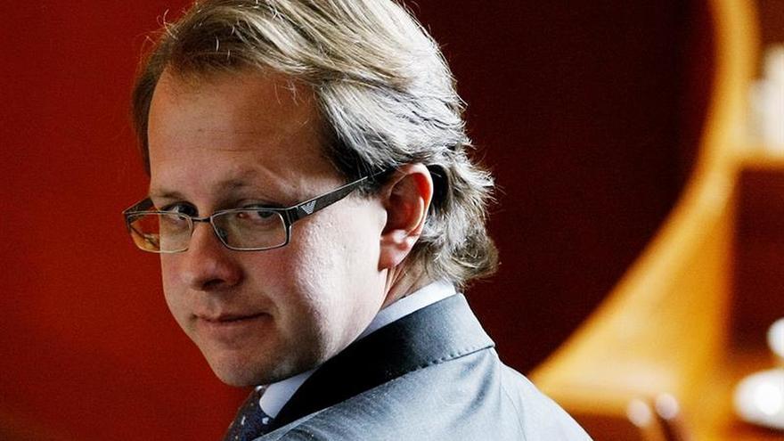 Juez estadounidense concede libertad bajo fianza a ex ministro colombiano