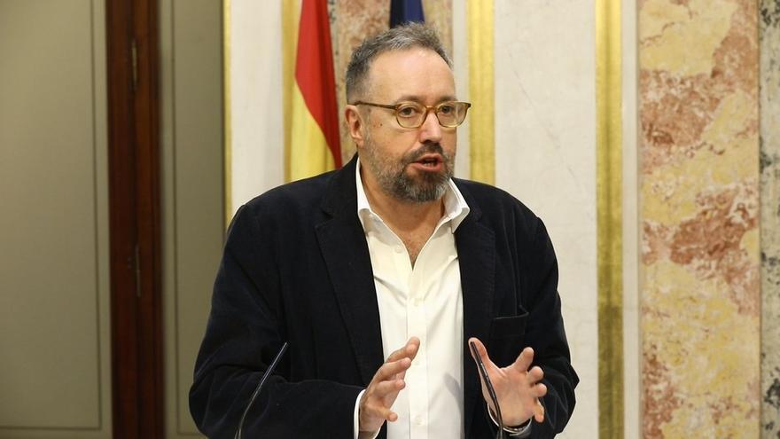 """Girauta (Cs) se declara """"escandalizado"""" con los encargos de Cospedal a Villarejo y pide aclarar si Rajoy lo sabía"""