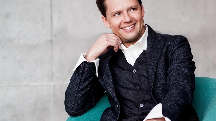 Jun Märkl ofrece este jueves su último concierto de la Temporada de Abono como director titular de la OSE