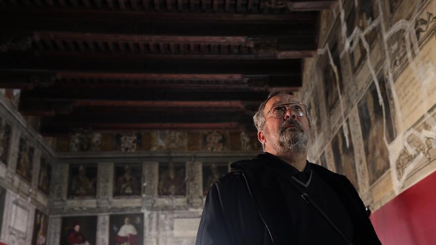 El coleccionista mexicano Mauricio Fernández Garza, en un fotograma de 'Los cielos españoles'.