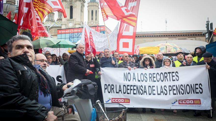 Los jubilados han protagonizado en Zaragoza y otros puntos de la comunidad varias protestas para reclamar unas pensiones de retiro dignas