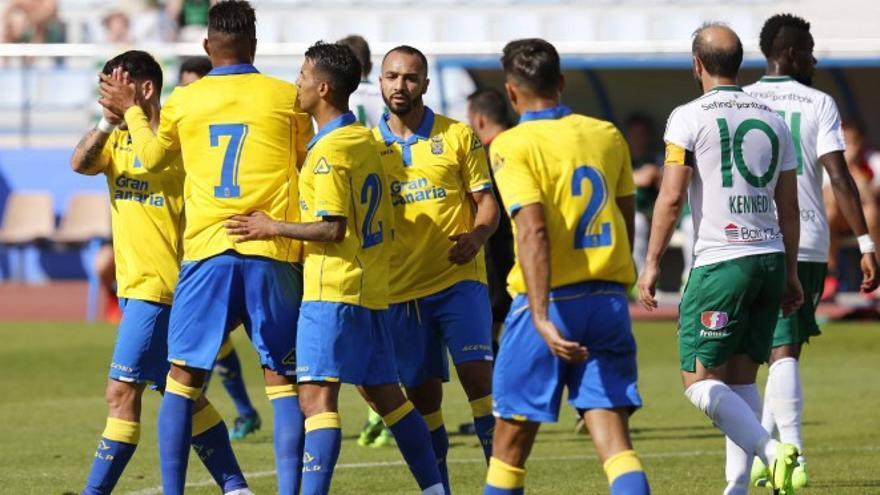 Los jugadores de Las Palmas celebran uno de los tantos ante el Hammarby IF