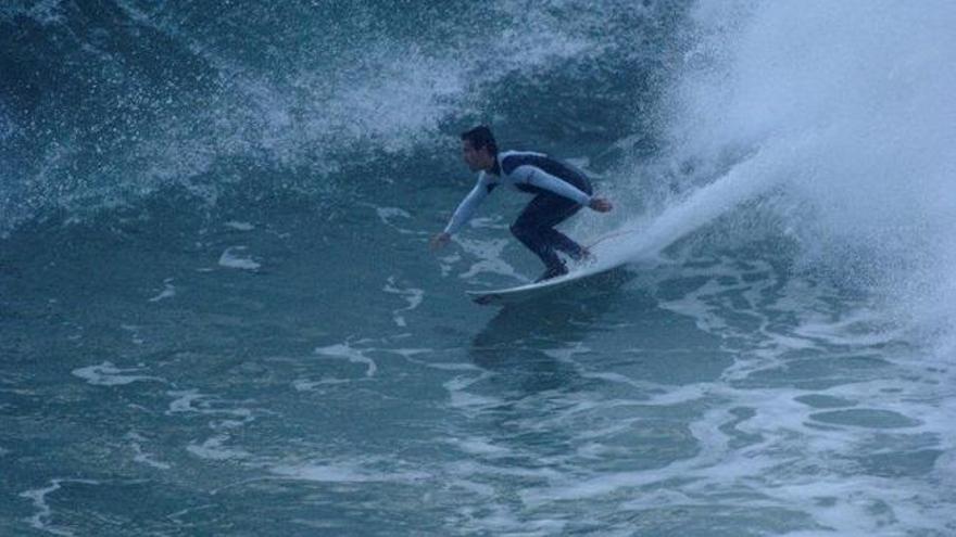 Mundaka y Zarautz se encuentran entre las mejores playas de España para surfear