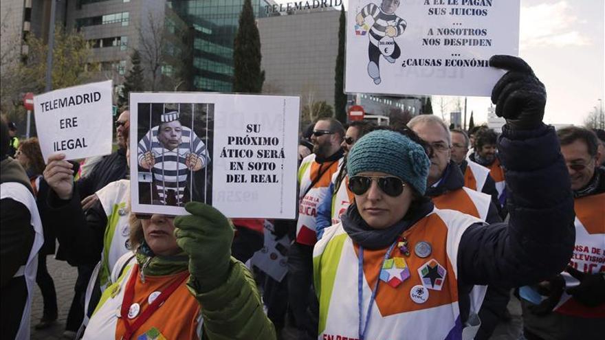 Trabajadores de Telemadrid marchan con motivo de la deliberación sobre el ERE