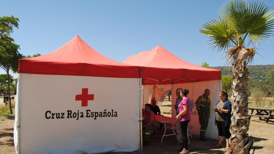 Puesto de la Cruz Roja, trabajando en la zona