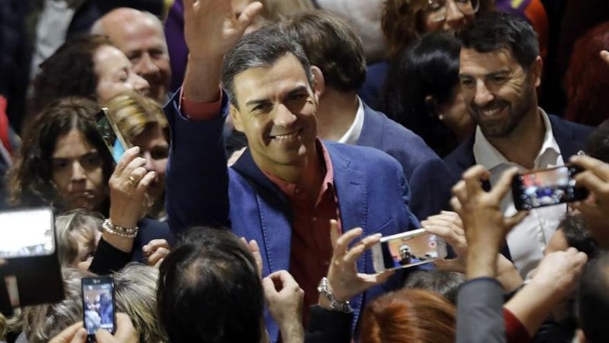 Sánchez pide el voto a los que creían que Cs era de centro y ahora ven que no