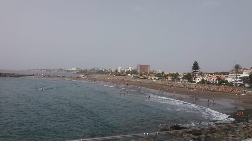Playa de Las Burras cerrada por el avistamiento de un Marrajo este domingo