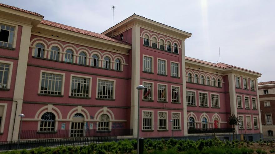 Exterior del colegio Isabel la Católica | SOMOS MALASAÑA