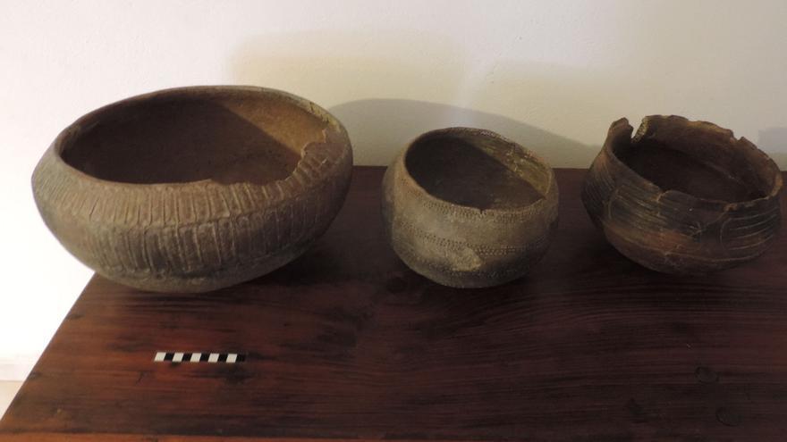 En la imagen, vasijas donadas al Cabildo por Antonio Hernández.