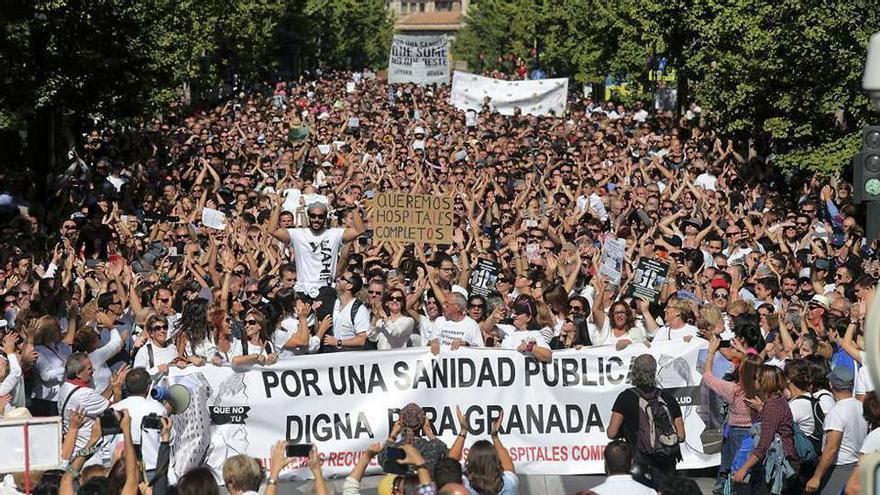 Una de las primeras manifestaciones multitudinarias que encabezó en 2016 y 2017