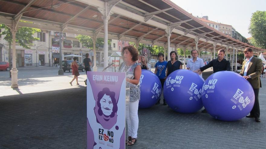 Un photocall o el lanzamiento de pelotas moradas buscarán concienciar sobre unas fiestas sin agresión sexista en Bilbao