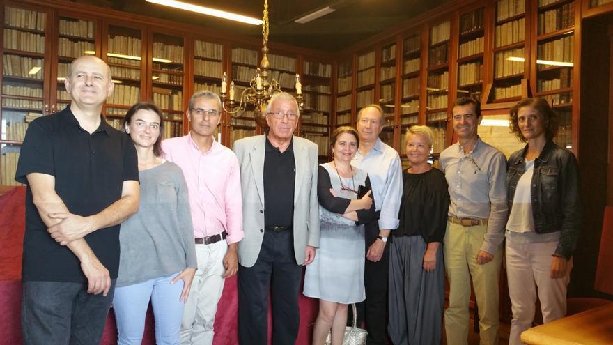 Un momento de la visita a la Sociedad Cosmológica. Foto: LUZ RODRÍGUEZ.