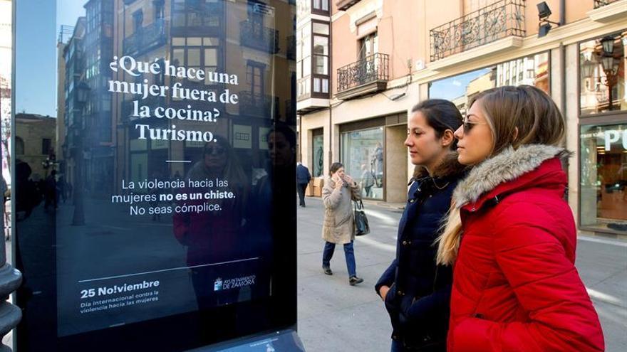 El alcalde de Zamora apoya la campaña de chistes machistas contra el maltrato