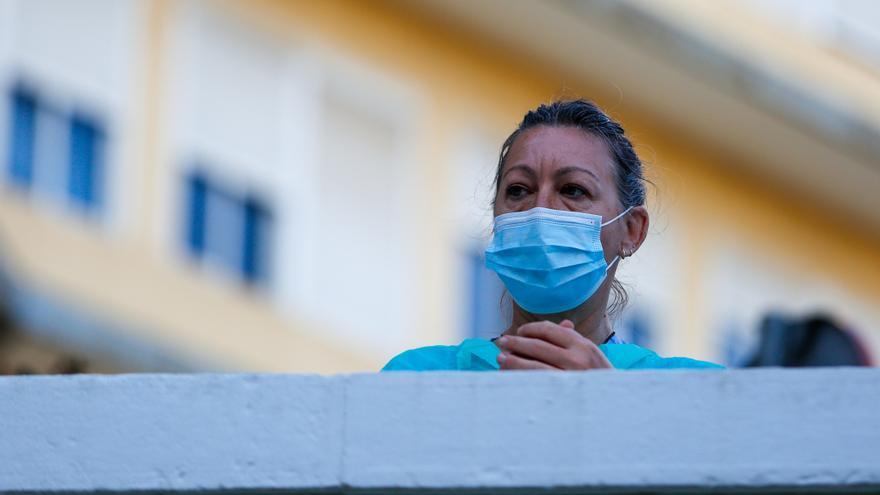 Andalucía registra un nuevo récord con 7.409 positivos Covid, suma 54 muertes y sube su tasa hasta 740