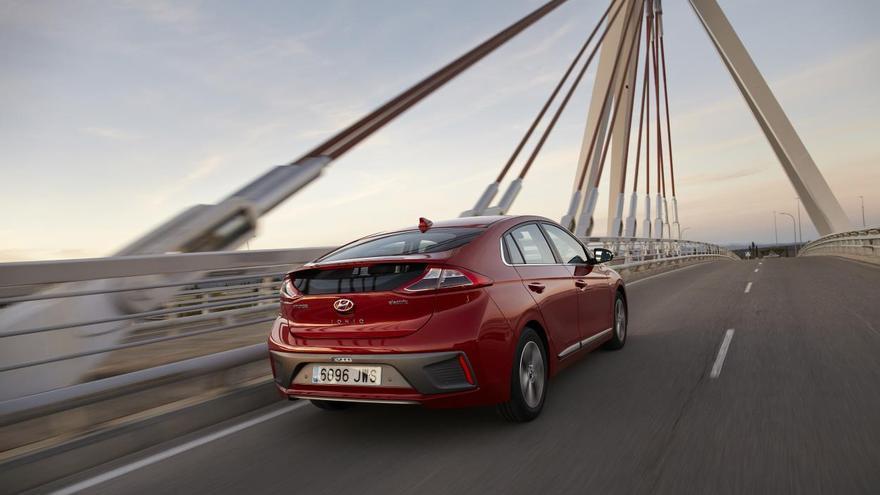 El Hyundai Ioniq 100% eléctrico anuncia una autonomía de 280 kilómetros.
