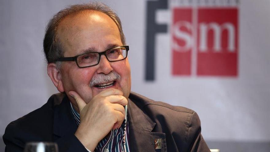Muere en Vigo el escritor Agustín Fernández Paz