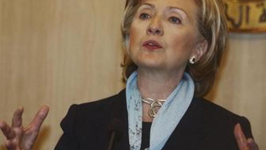 Clinton dice que las nuevas sanciones contra Irán serán más duras