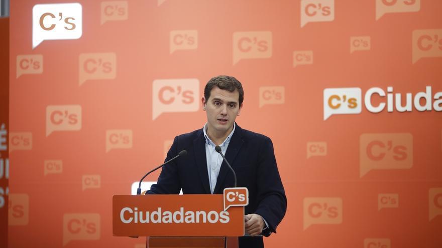 """Rivera dice que la sustitución de la portavoz de Ciudadanos en Huelva """"nada tiene que ver"""" con su embarazo"""