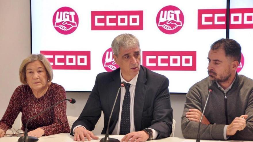 Antonio Cabrera, de CCOO, durante la rueda de prensa.