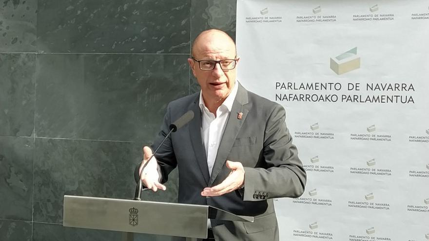 Archivo - Carlos Gimeno, consejero de Educación del Gobierno de Navarra