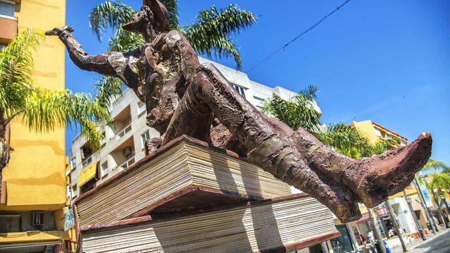 Torremolinos convertirá una plaza en una página con una cita gigante de 'El Quijote'