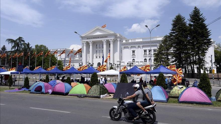 Unos 30.000 macedonios se manifiestan en Skopje en apoyo al Gobierno