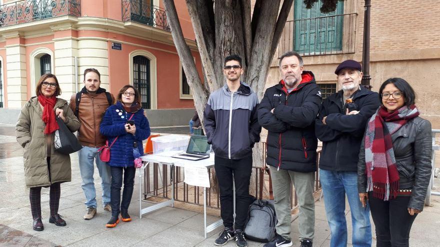 Cambiemos Murcia coloca mesas por la ciudad para celebrar las primarias