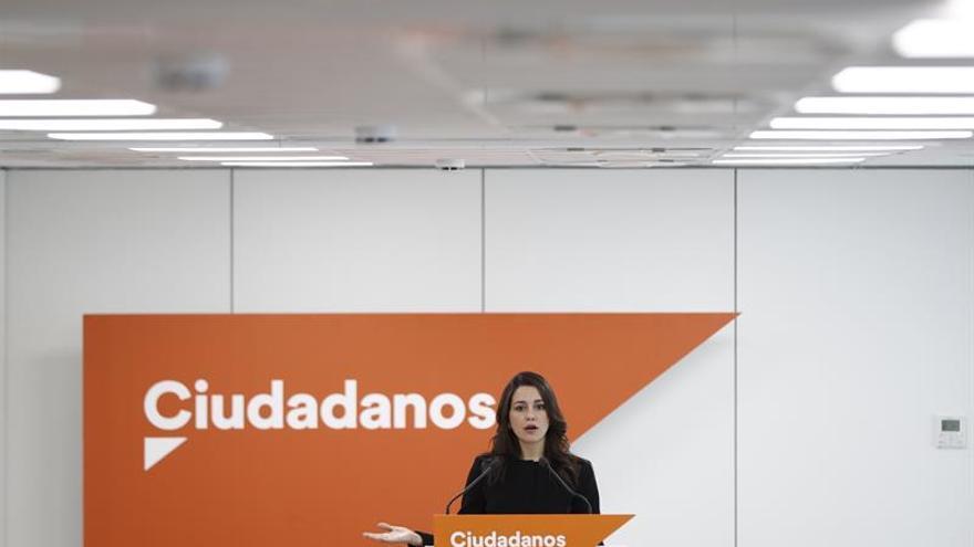 """Arrimadas aprecia en el PSOE """"luchas personales"""" pero no """"proyectos"""""""